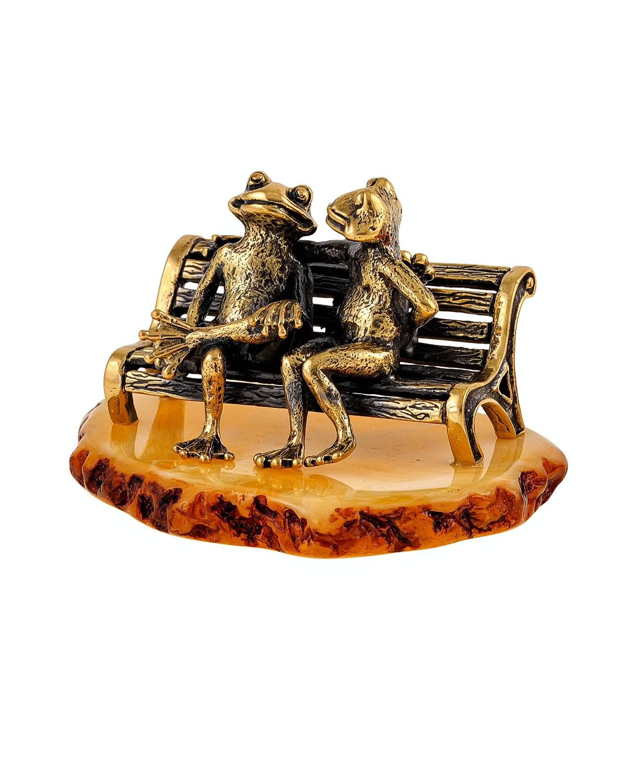 Лягушки на скамейке 1400