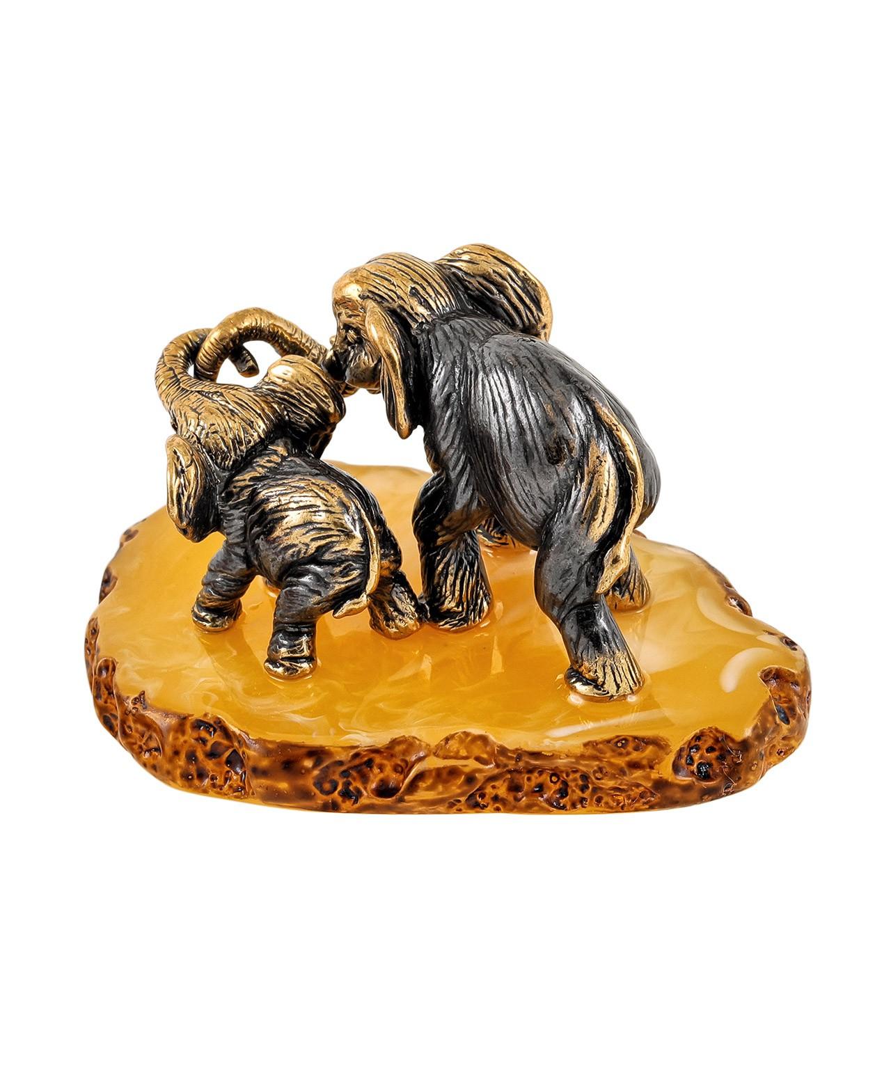 Слон мама с малышом 1850