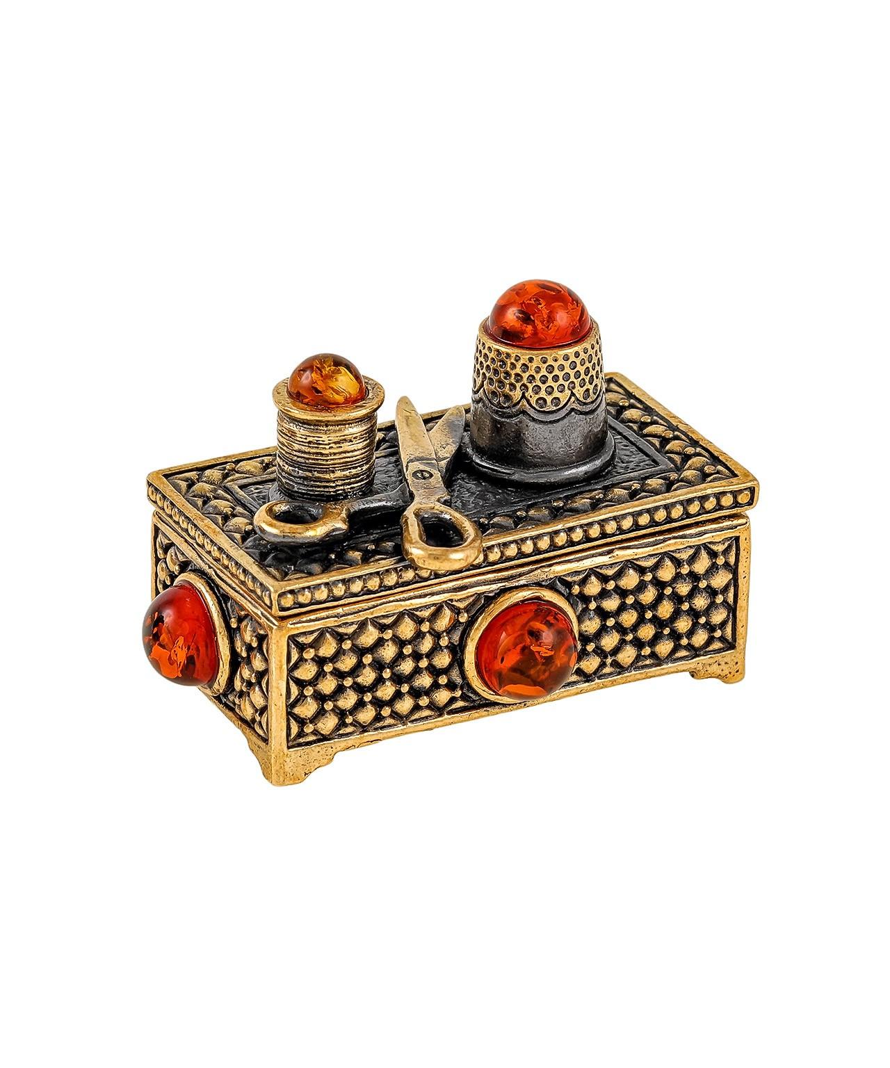 Сундук Швейный набор под иголки 1875