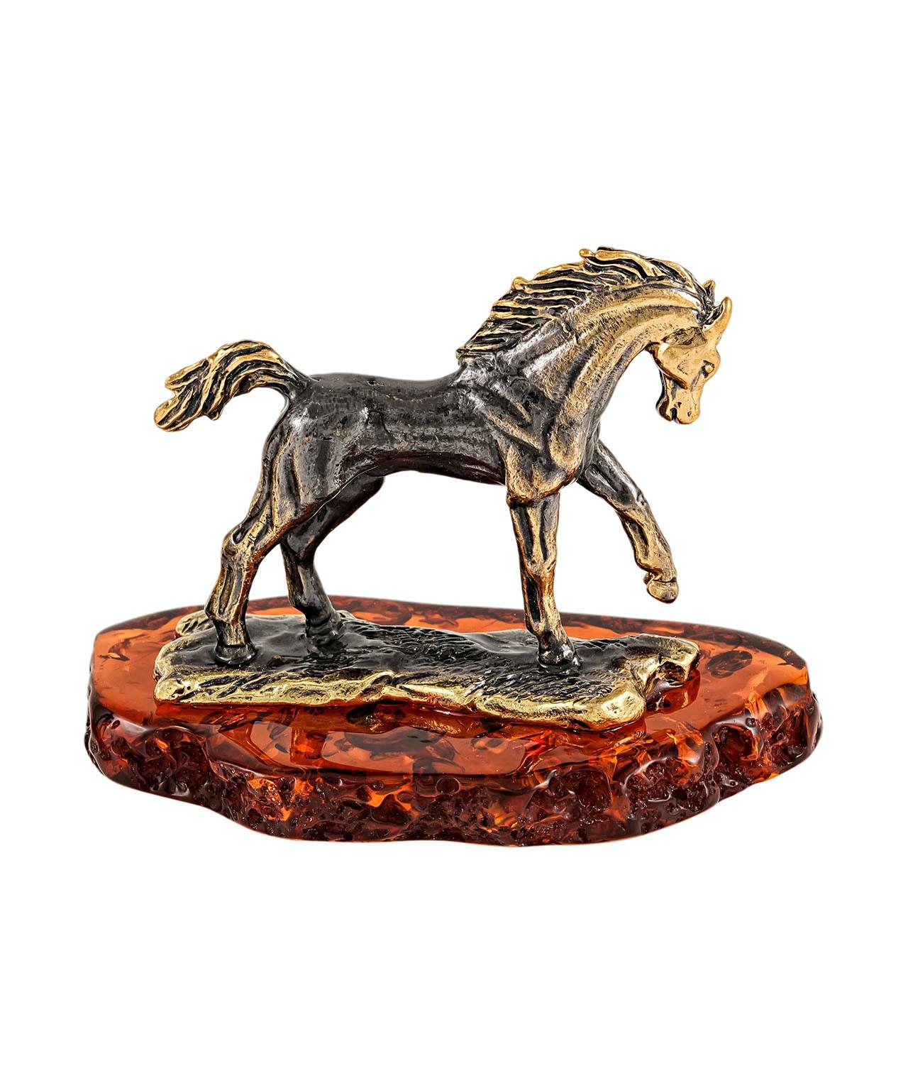 Лошадь Мустанг 2081