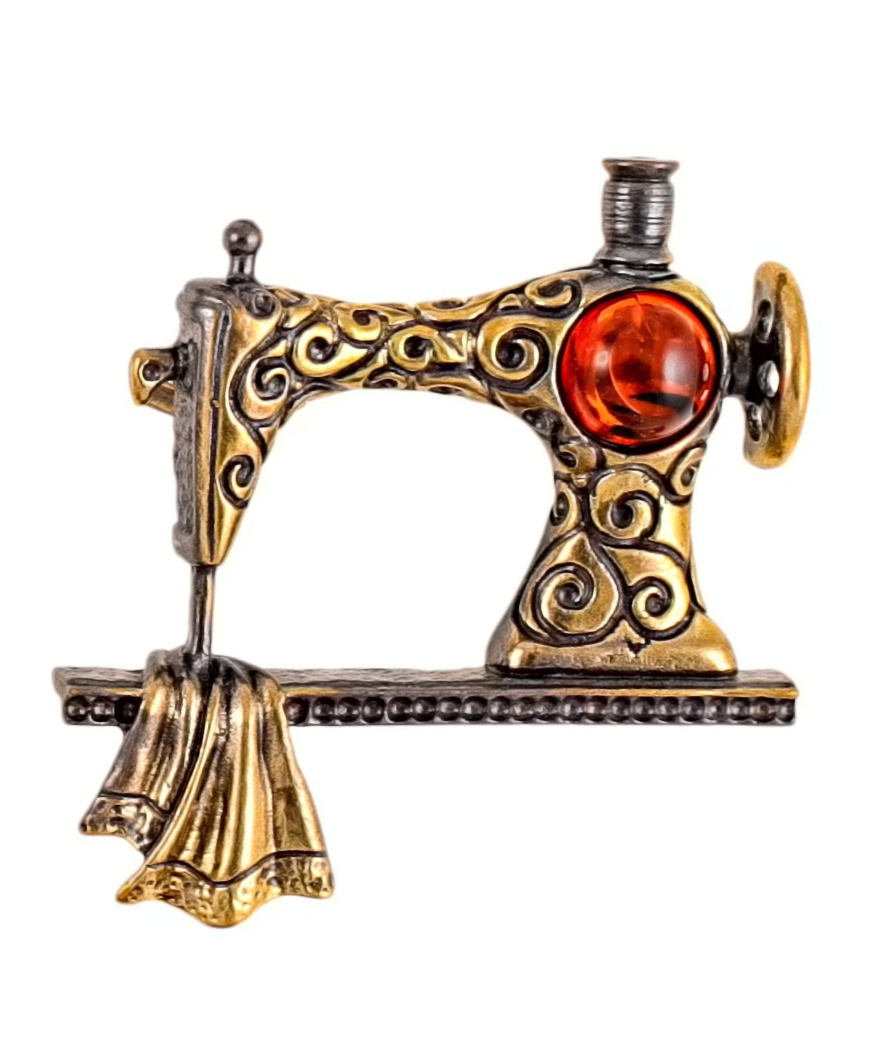 Брошь Швейная машинка 2134.4