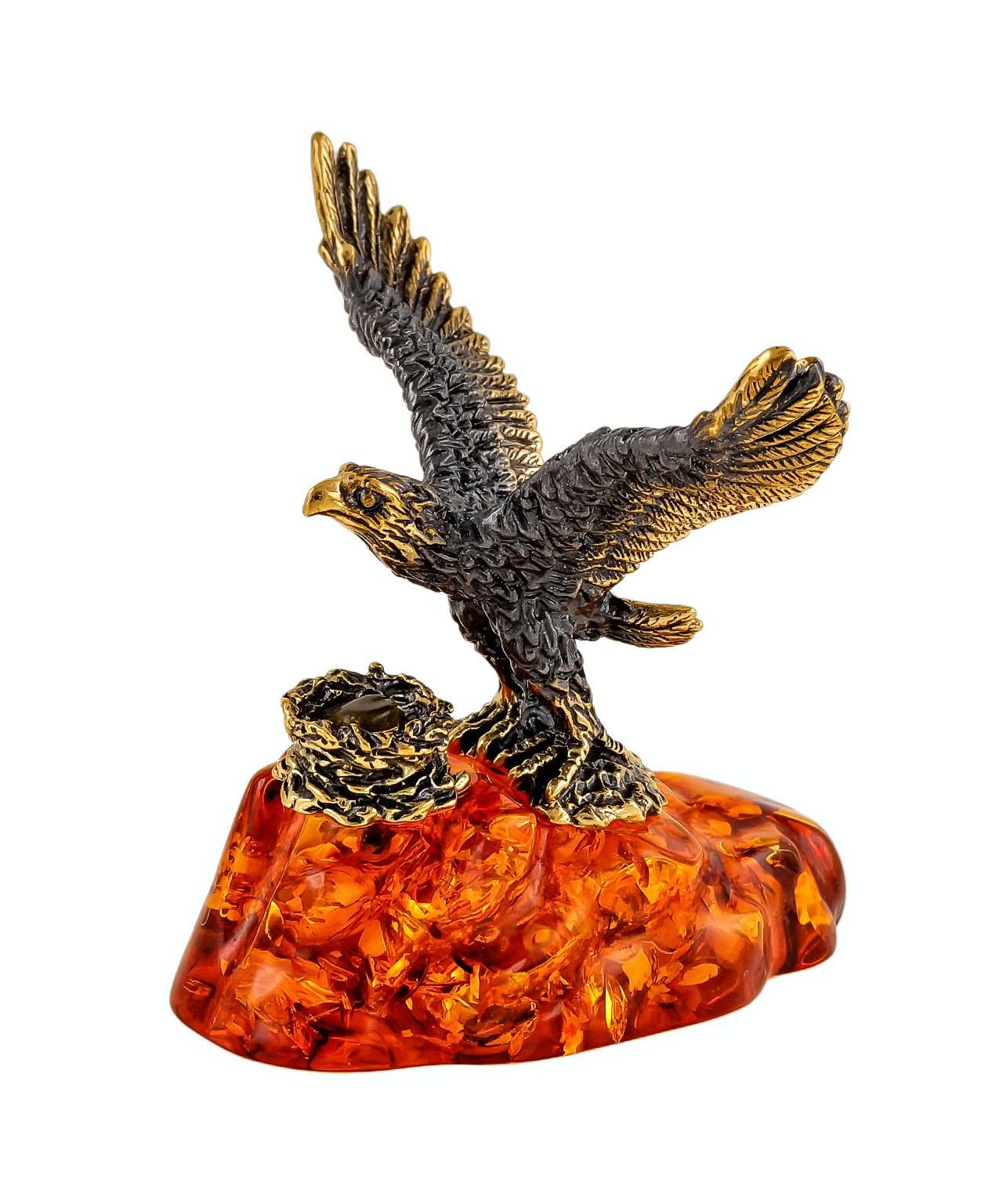 Птица Сокол на скале 2150