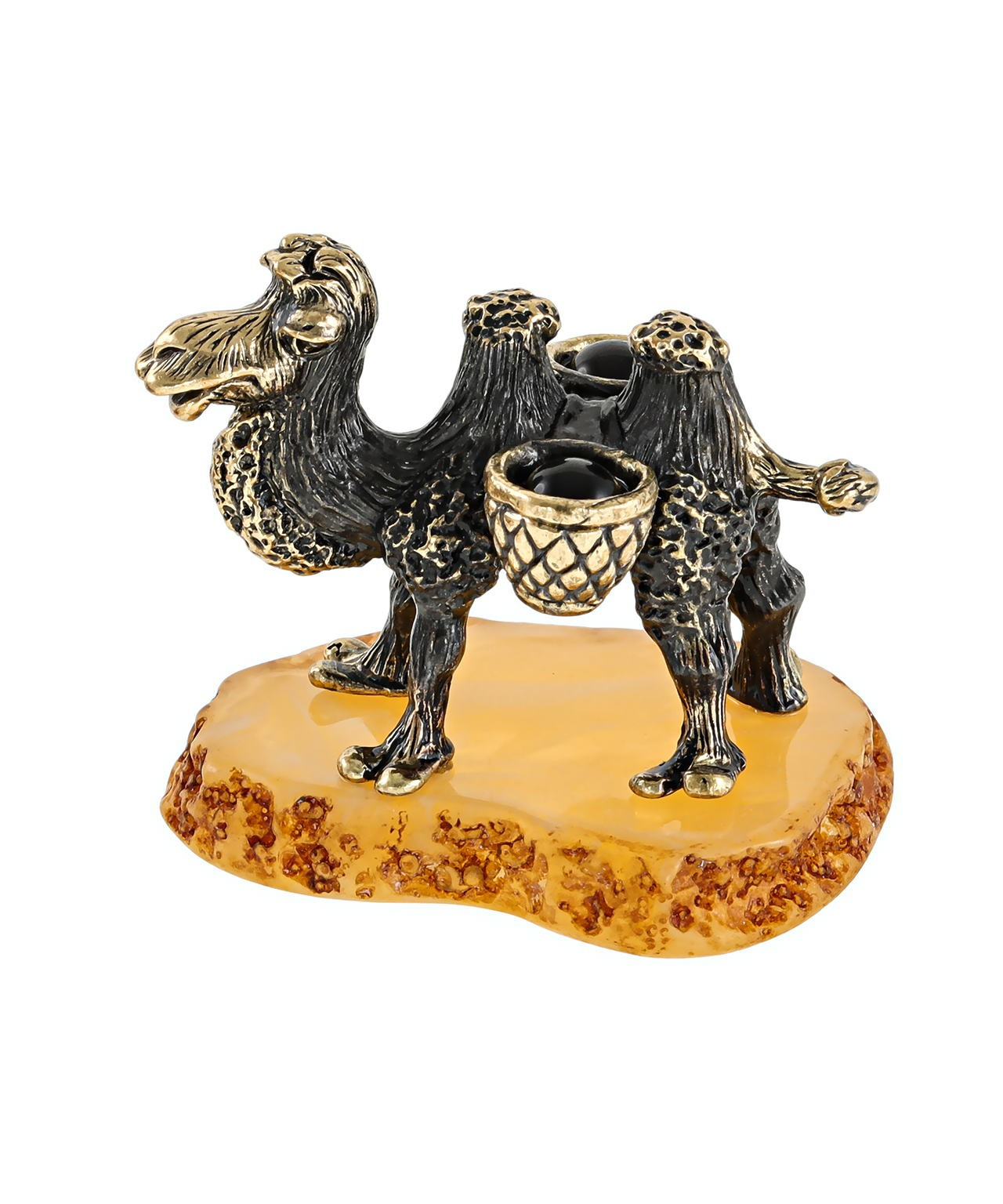 Верблюд малыш с поклажей 2663