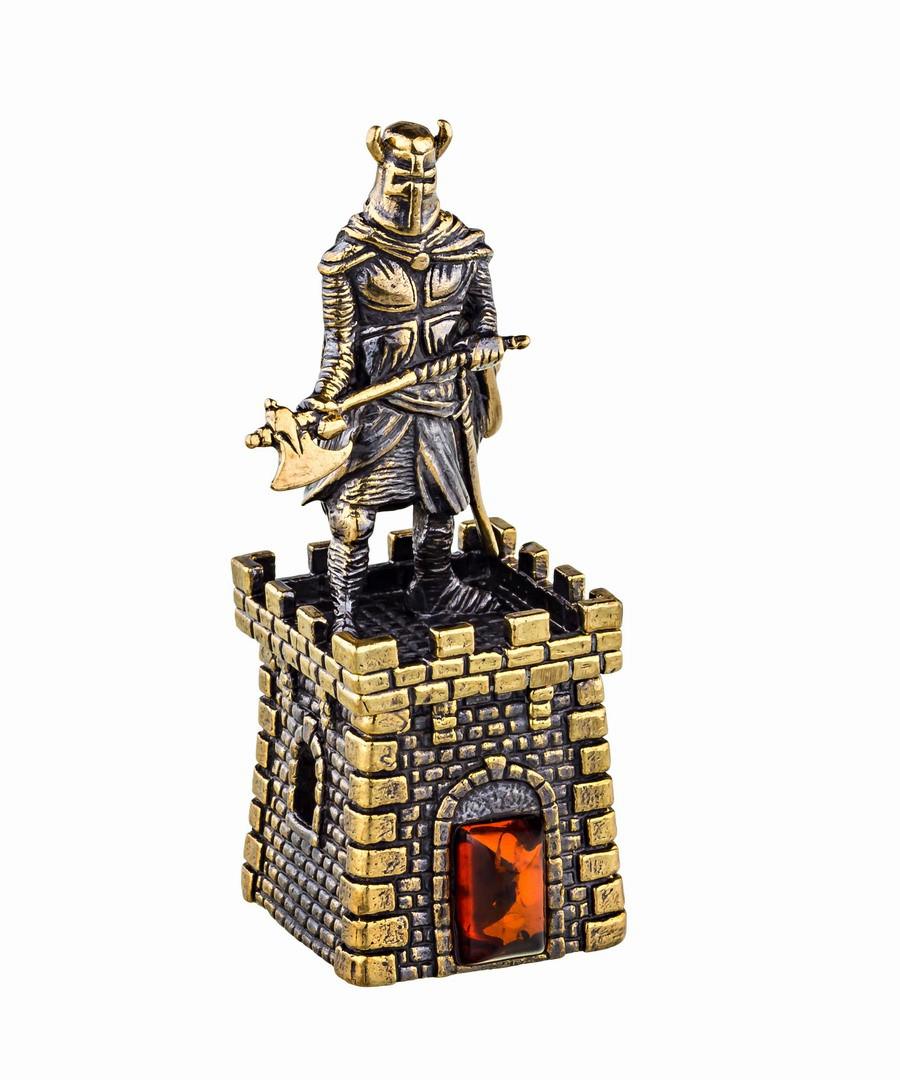 Колокольчик Крепость с Рыцарем с топором 628