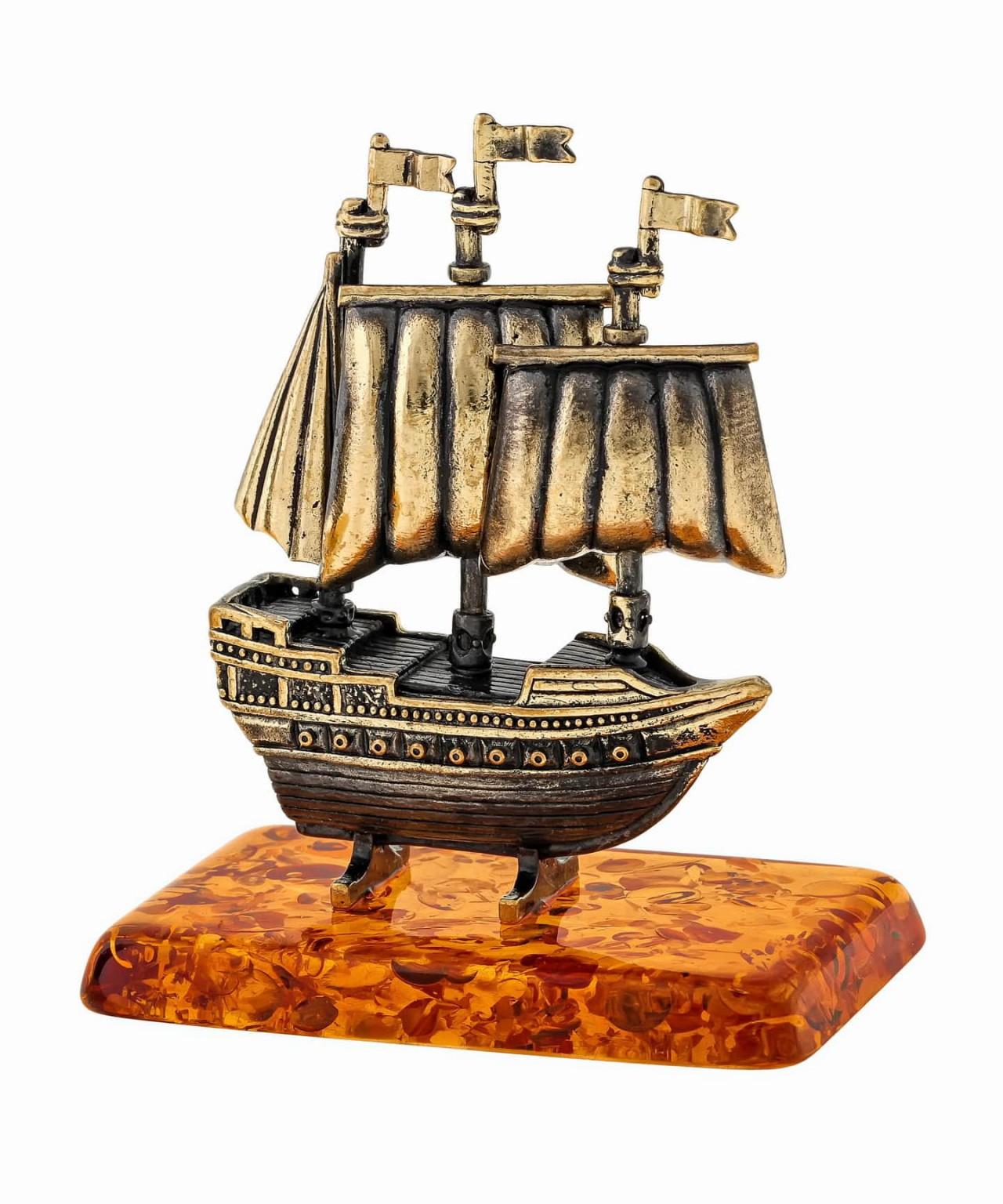 Корабль Алые Паруса 1262