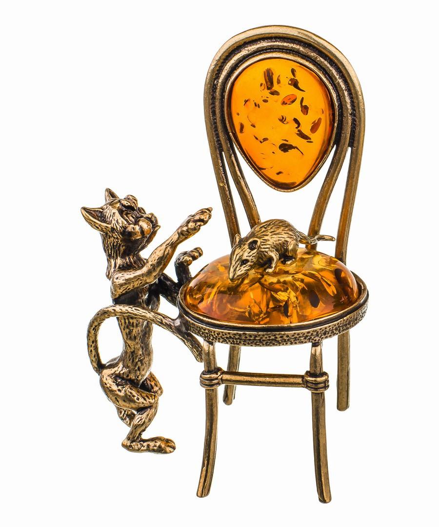 Кот и мышка на стуле 635