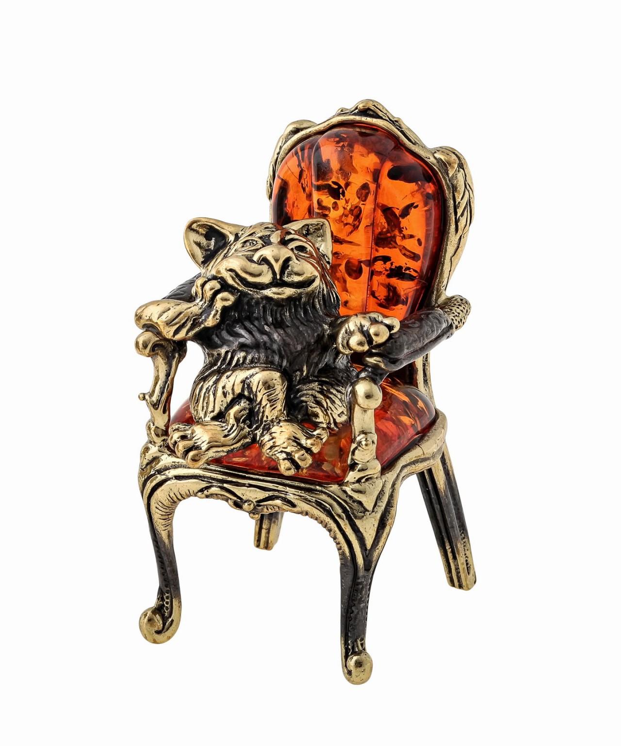 Кот в кресле 1443