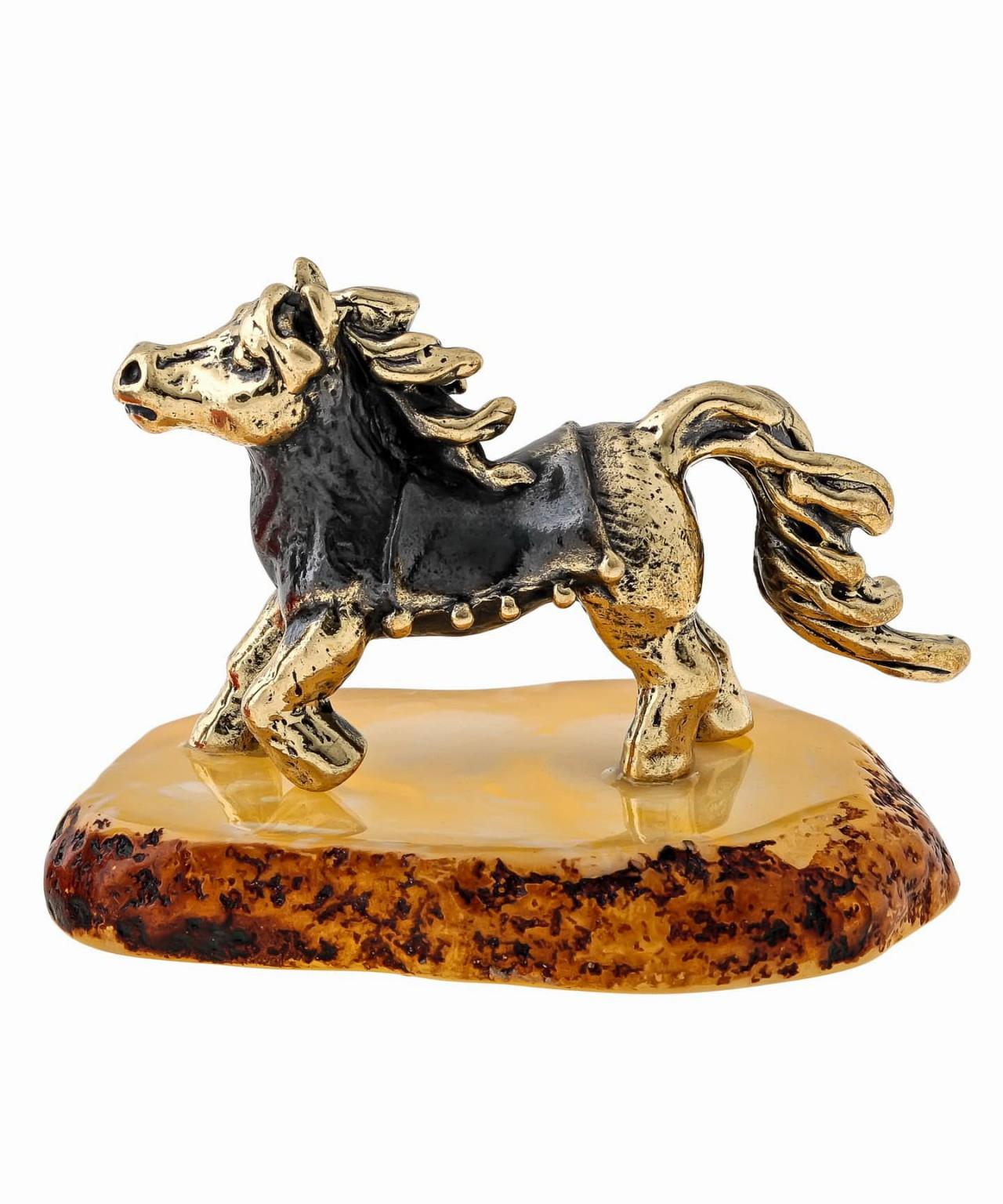 Лошадь Пони в попонке 1407
