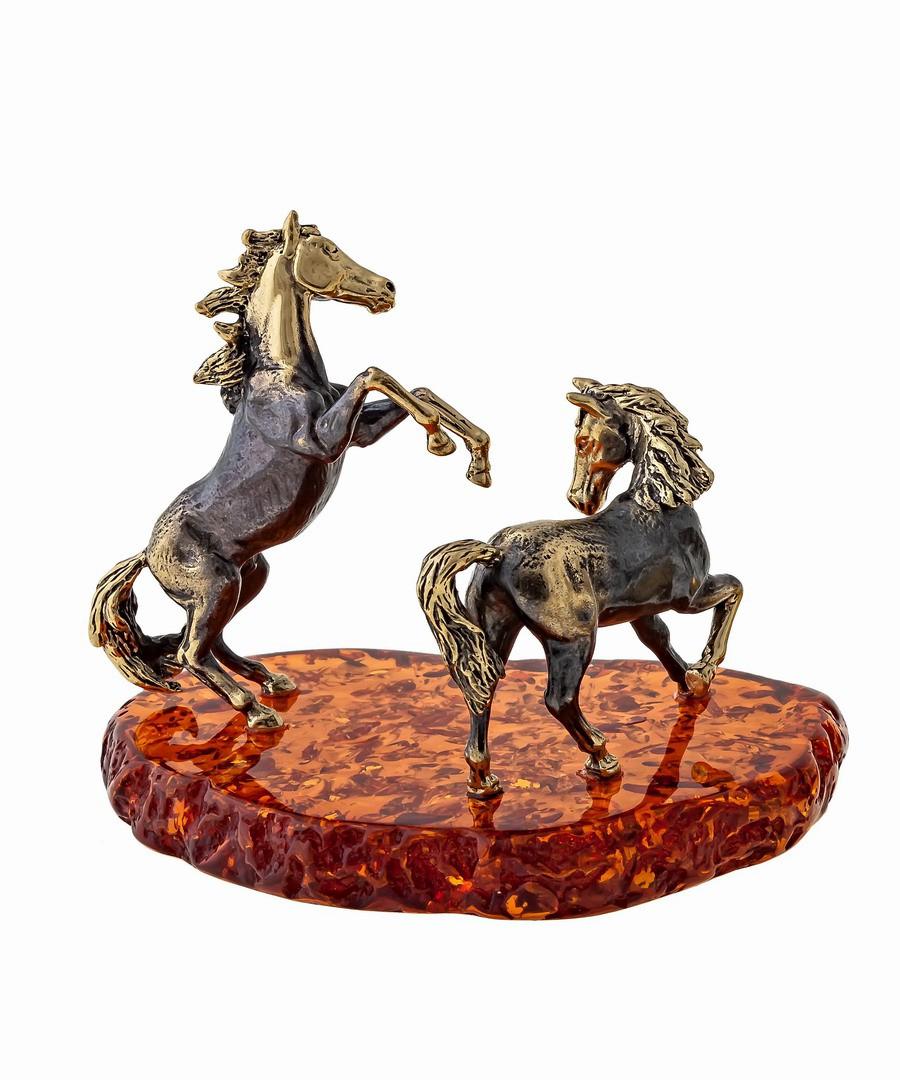 Лошади Спирит и Гроза 1250