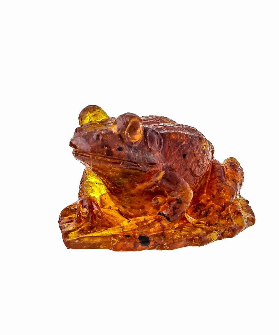 Лягушка маленькая янтарная 1364