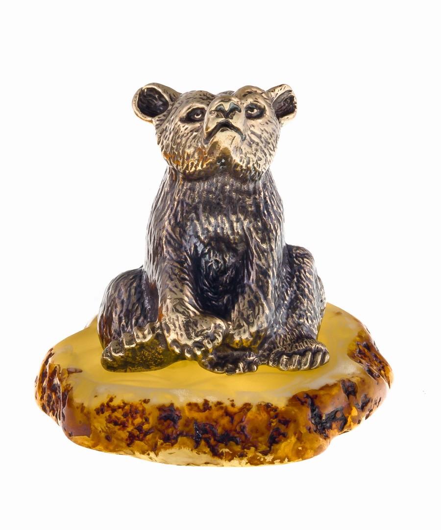 Медведь сидящий 681