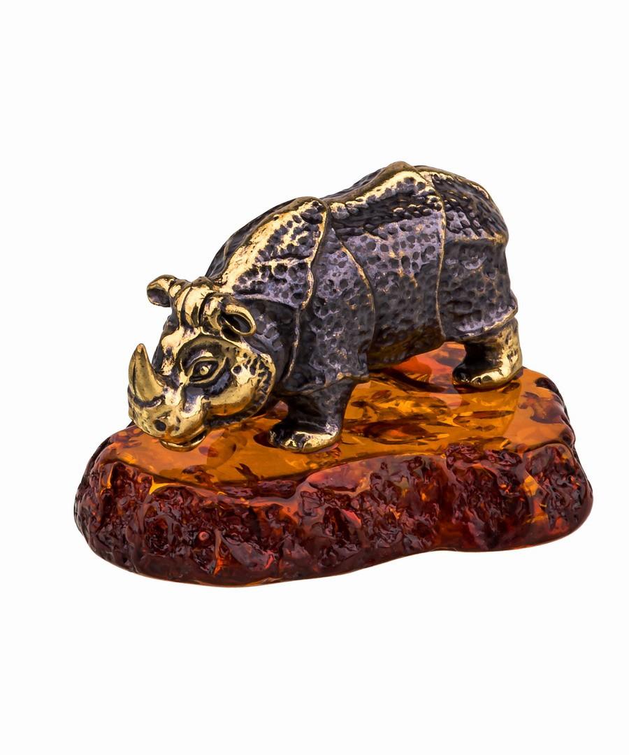 Носорог индийский   825