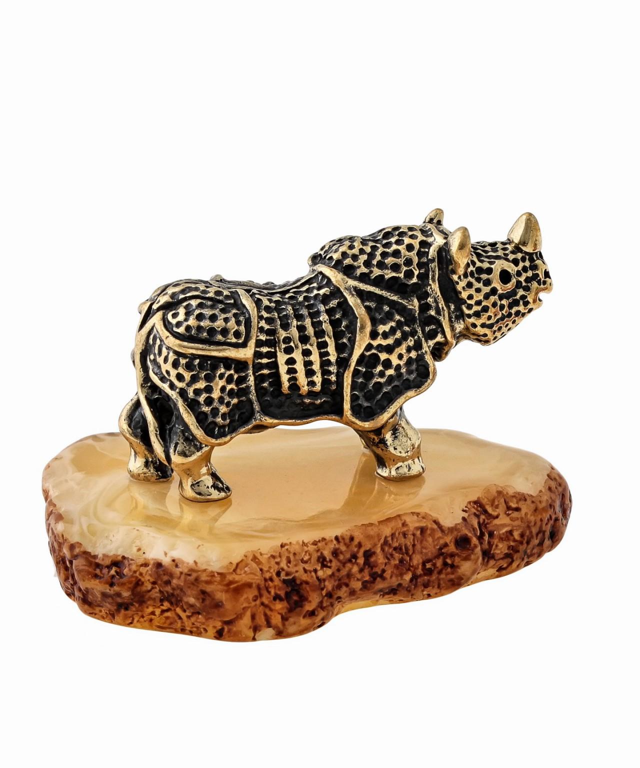 Носорог Рокки 1440