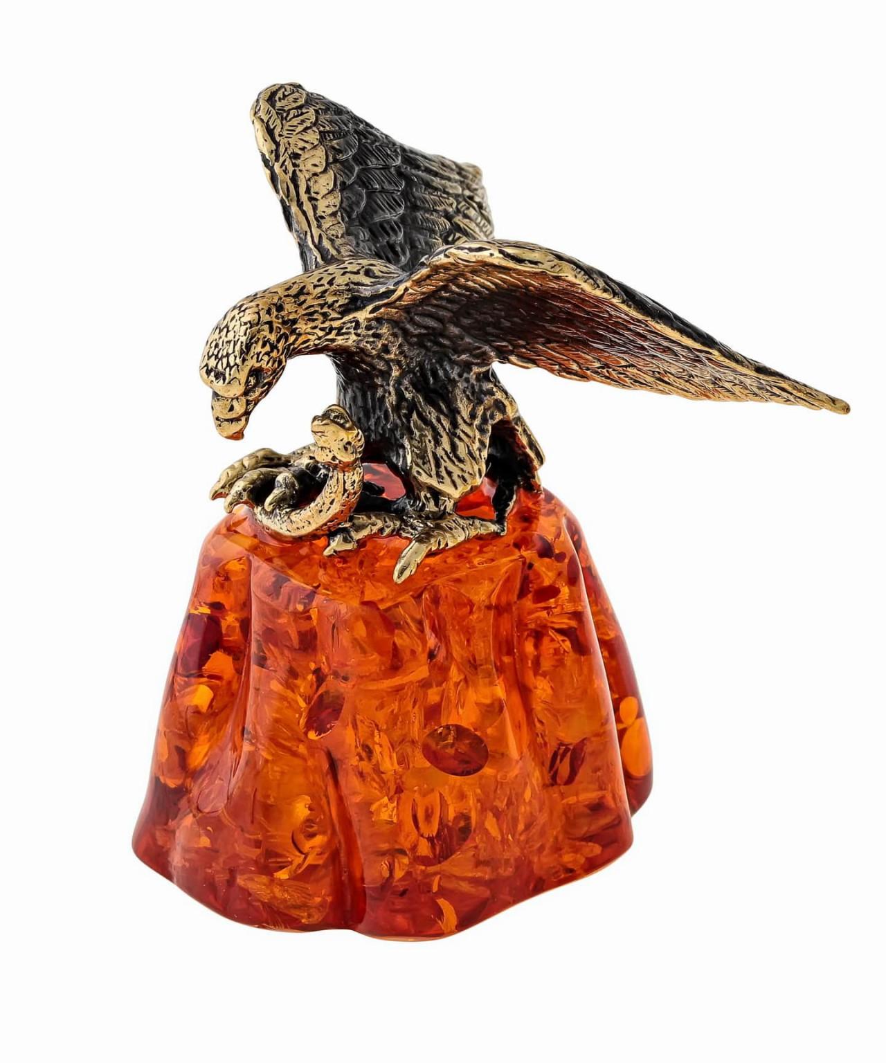 Птица Орел на скале со змеёй 1176