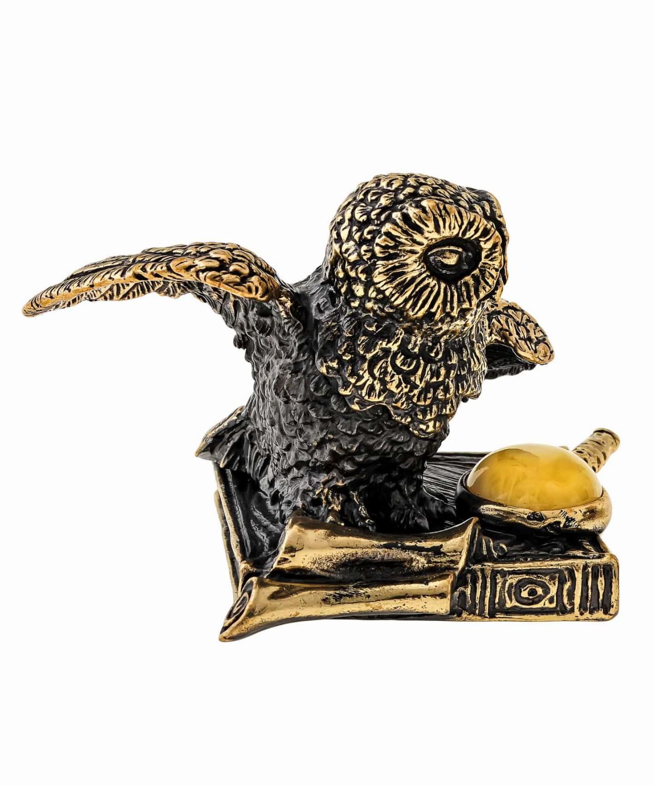 Птица Сова на книжке с лупой 1481