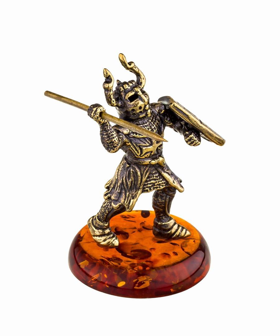 Рыцарь с копьем 786