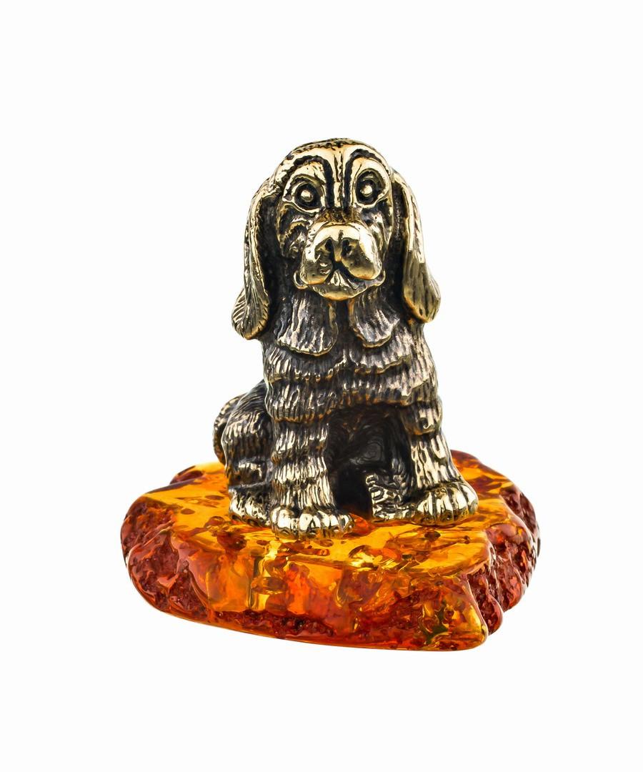 Собака Бигль на подставке 701